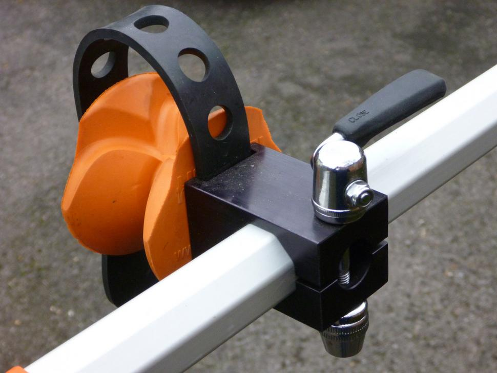 Hirobel Carbon frame clamp (20).jpg