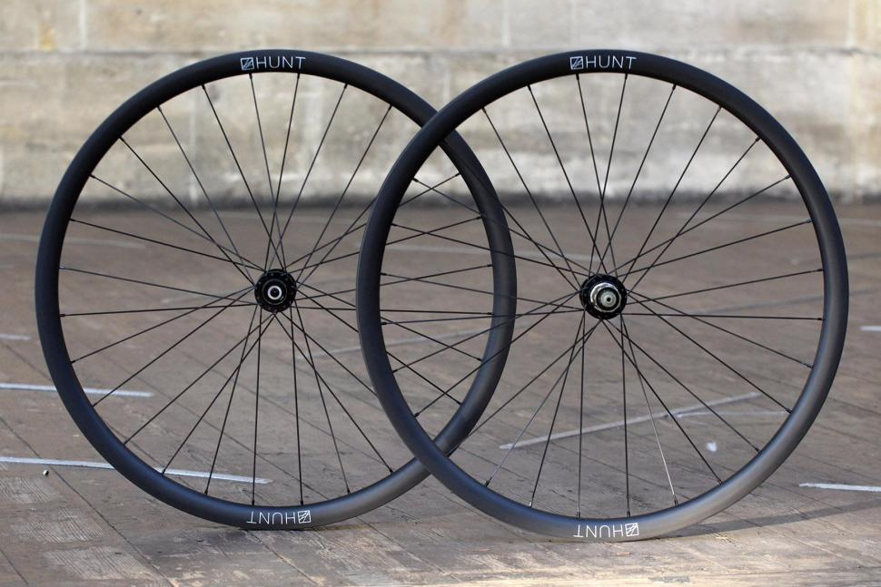 Hunt 30 Carbon Gravel Disc Wheelset.jpg
