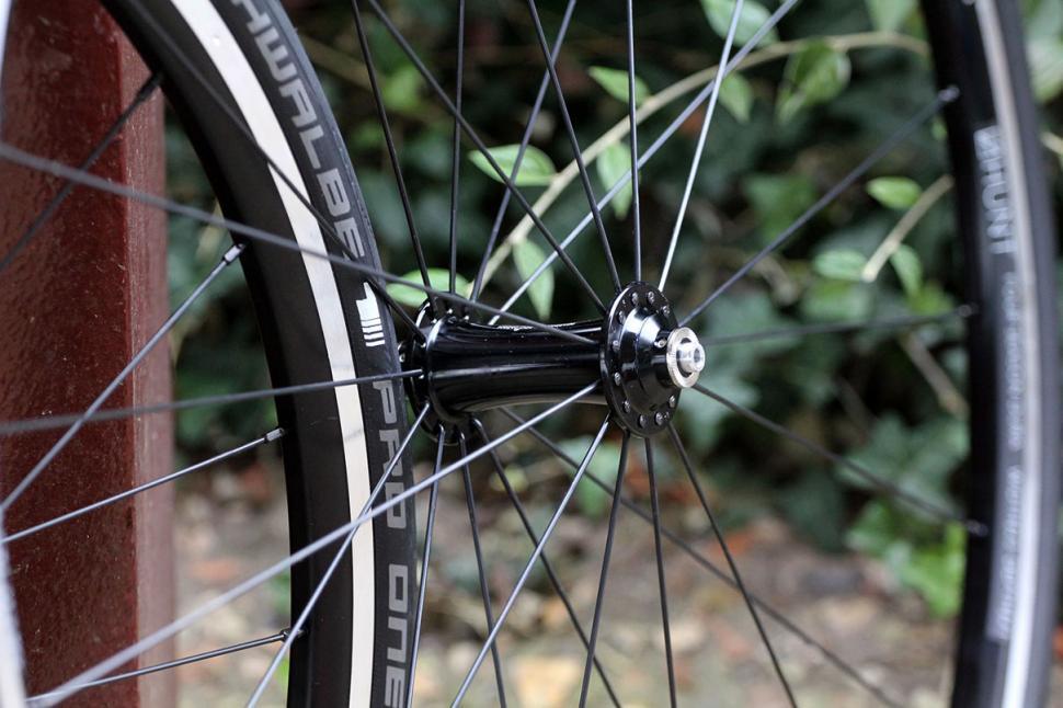 Hunt 4 Season Dura Road Wheelset Front.jpg