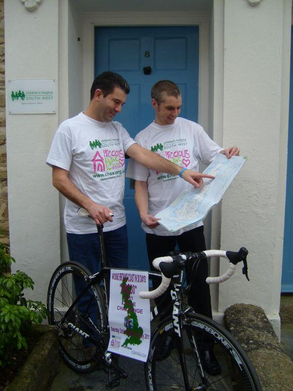 Andy Miners and Duncan Impey planning their route.JPG