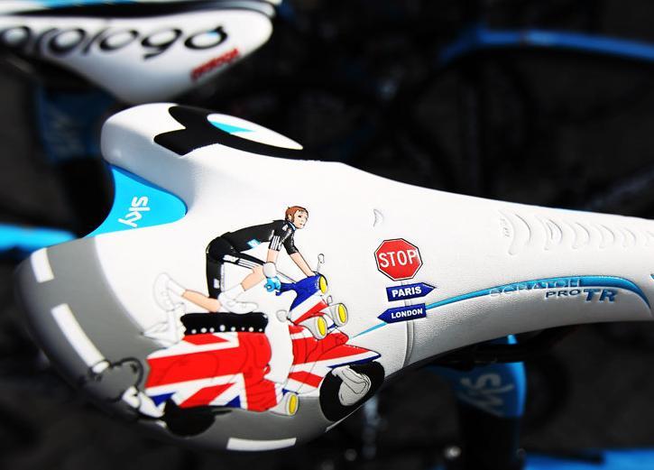 Bradley Wiggins custom Prologo saddle (picture credit Team Sky).png
