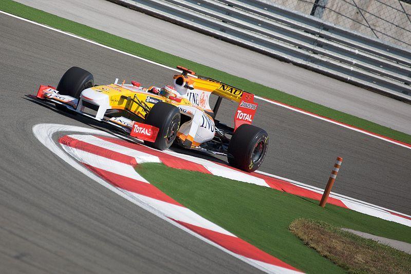 Fernando Alonso (copyright Mark McArdle:Wikimedia Commons).jpg