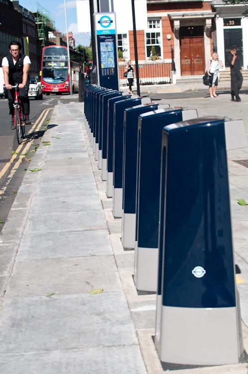Barclays Cycle Hire scheme docking station (photo: Martin Thomas)