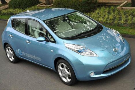 Nissan Leaf electric car.jpg