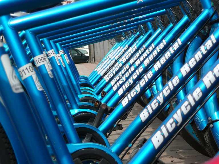Bike hire bikes (pic by jezzzer)