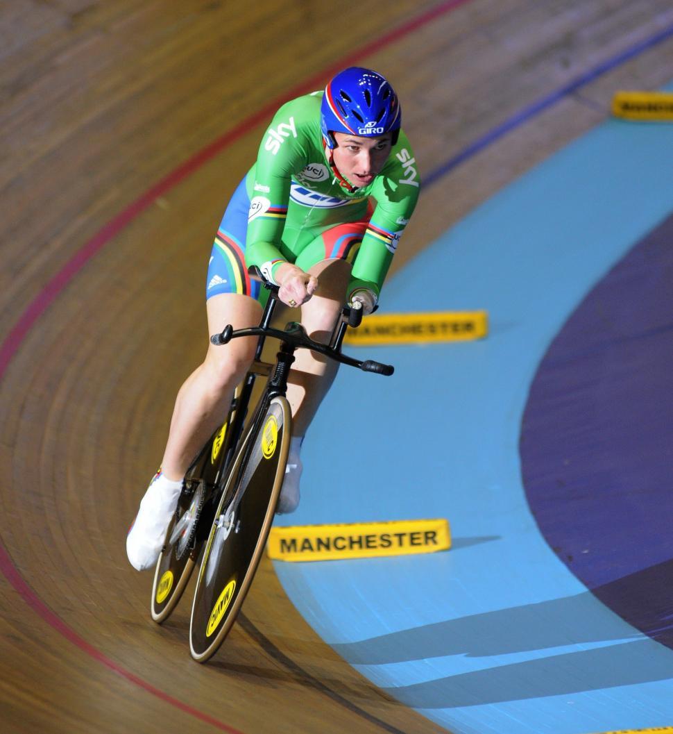 Sarah Storey on the Manchester Velodrome track.jpg