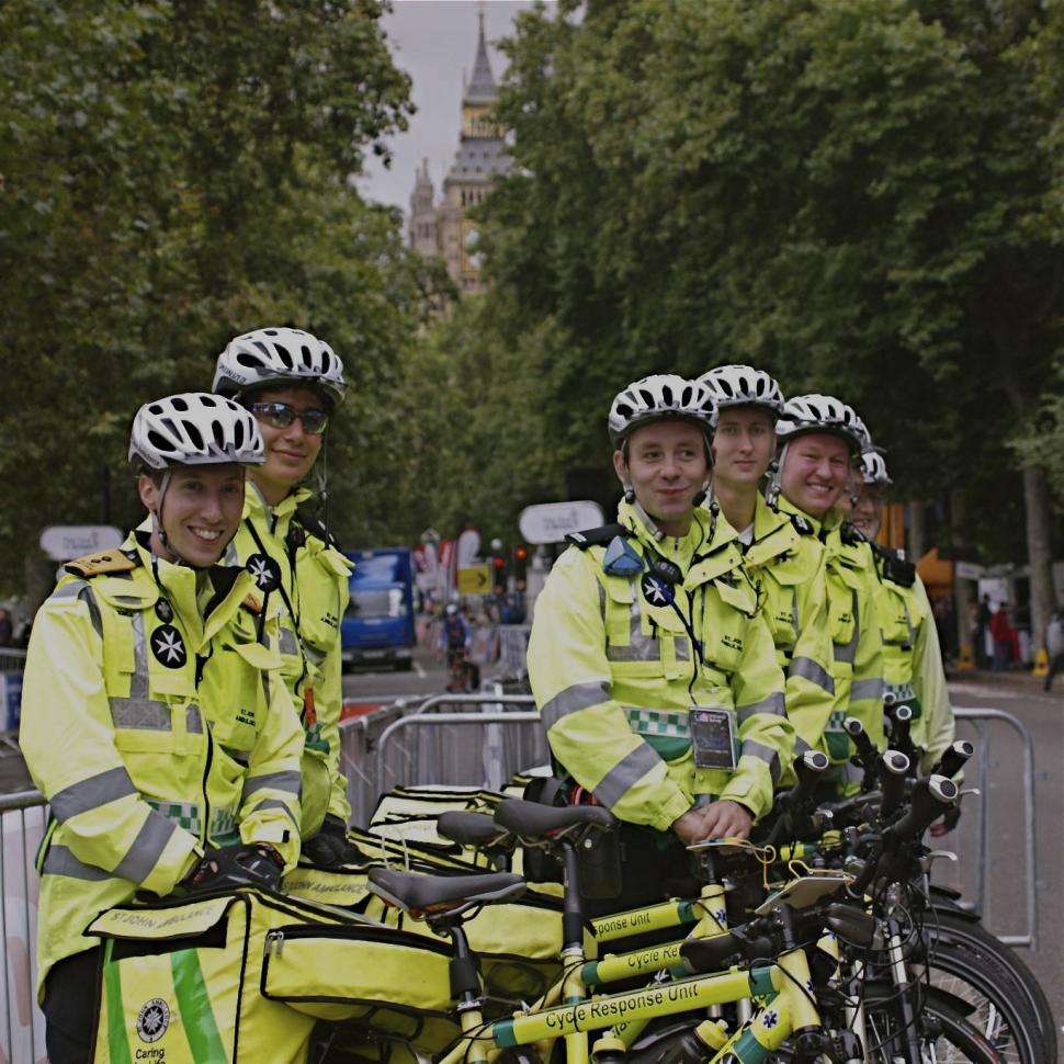 St John Ambulance cycling first aiders 2.jpg