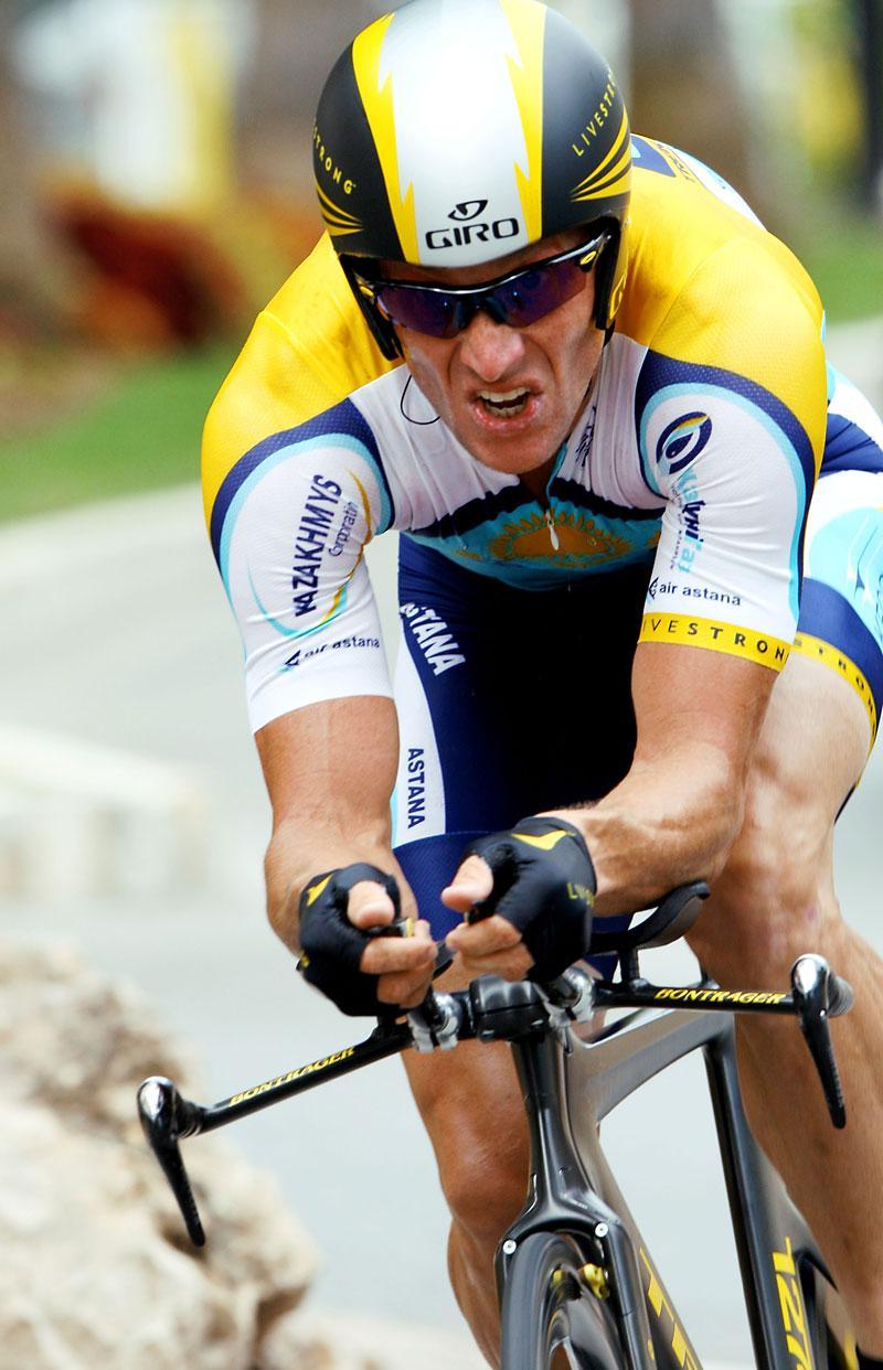 Lance Armstrong on new TT bike, Tour de France 2009 (Photosport Intl)