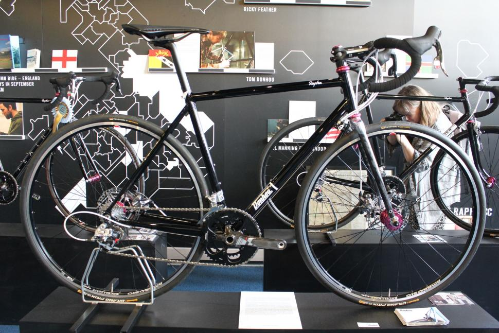 Rapha Continental Donhou - full bike