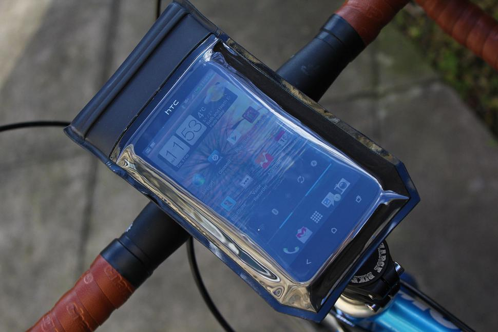 Blackburn VIP QR handlebar phone case
