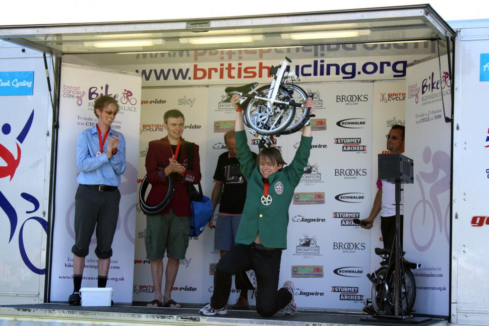 Blenheim 2011: Hutchinson won the Brompton Champs and 40Km TT  double, can he repeat in 2012?