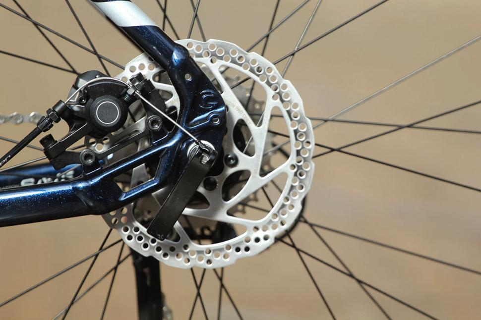 Cannondale Touring - rear disc brake