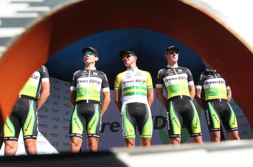 GreenEdge being presented (Photo - Santos Tour Down Under:Regallo)