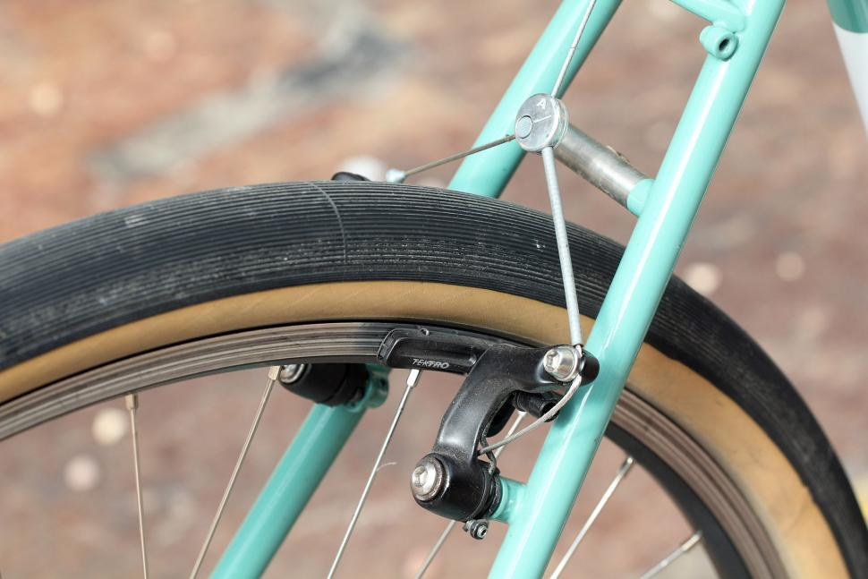Hallett 650b - rear brake