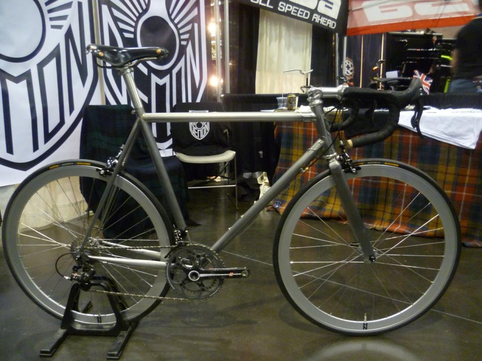 Demon Frameworks Manhattan - full bike