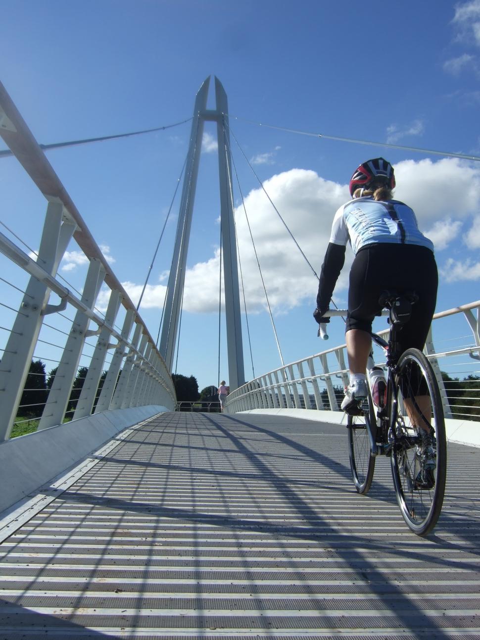 Diglis Bridge Worcester (picture credit Henry Harbord/Sustrans).jpg