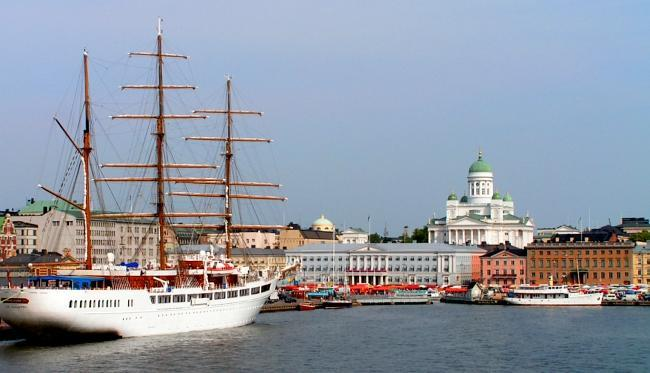 Helsinki_(licensed_on_Wikimedia_Commons_by_Jonik_under_CC_BY-SA_3.0)