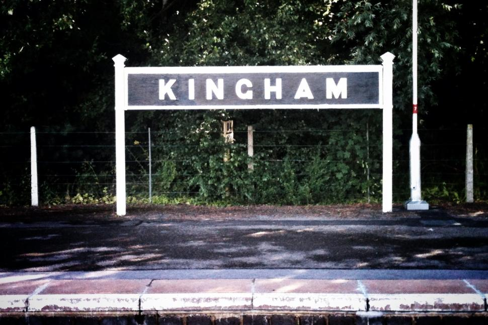 Kingham station on the Cotswold Line (c) Simon MacMichael