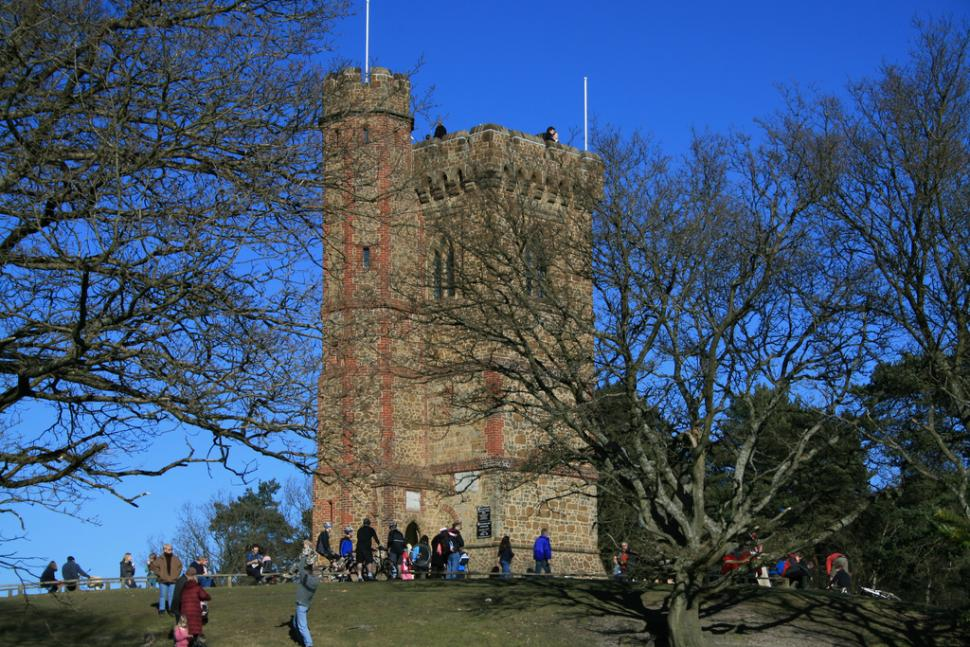 Leith Hill (CC licensed image by frankdoylezw:Flickr)