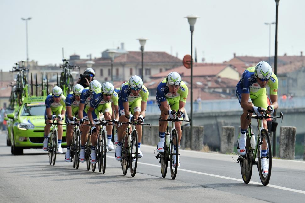Liquigas-Cannondale on Giro 2012 TTT (Danele Badolato - LaPresse - RCS Sport)