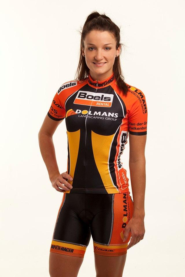Lizzie Armitstead in Boels-Dolmans kit (source Boels-Dolmans)