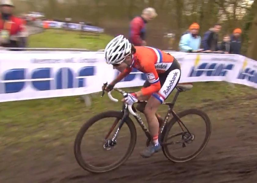 Marianne Vos on way to winning 2014 CX Worlds (UCI YouTube still)