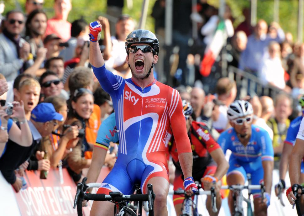 Mark Cavendish wins 2011 World Road Race Championship in Copenhagen.jpg