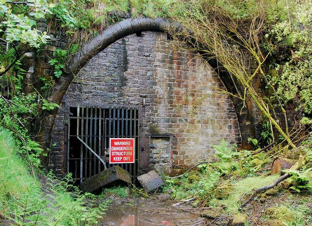 Queensbury Tunnel (Image CC licensed via geograph user philld)