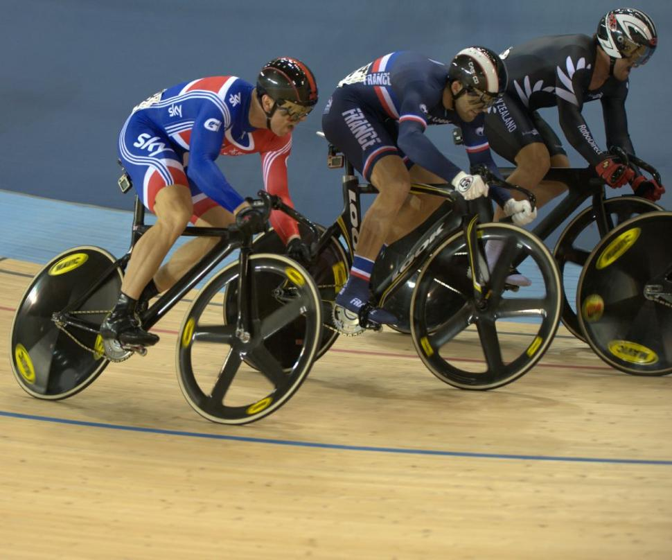 Sir Chris Hoy leaves it late in the Keirin at the Track World Cup in London (© Dene Percy)