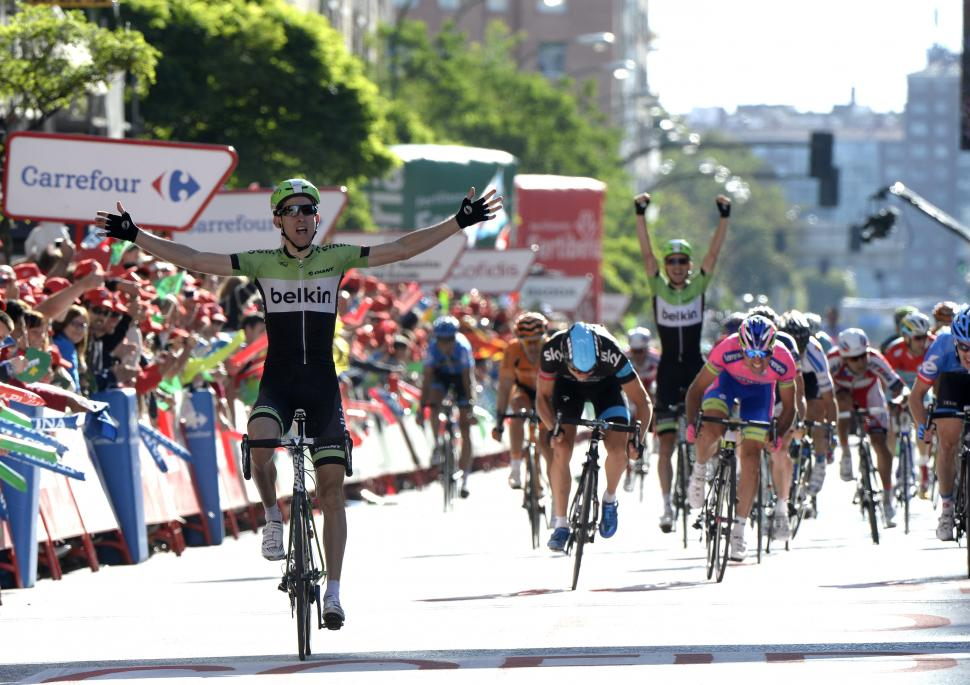 Vuelta 2013 Stage 17 Bauke Mollema wins, David Tanner celebrates (© Unipublic:Graham Watson)