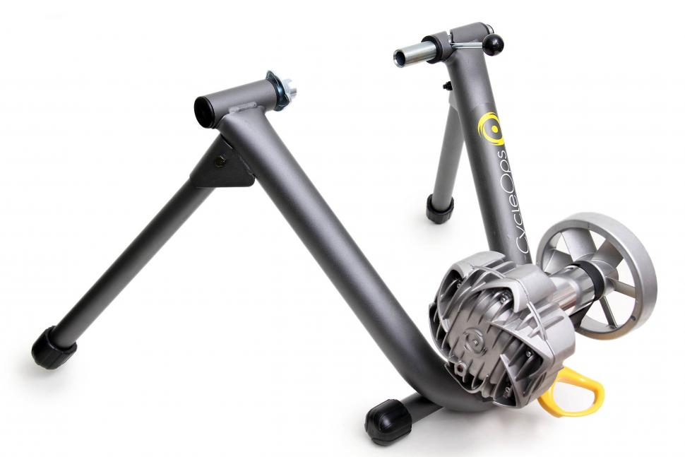CyclOps Fluid 2 turbo trainer