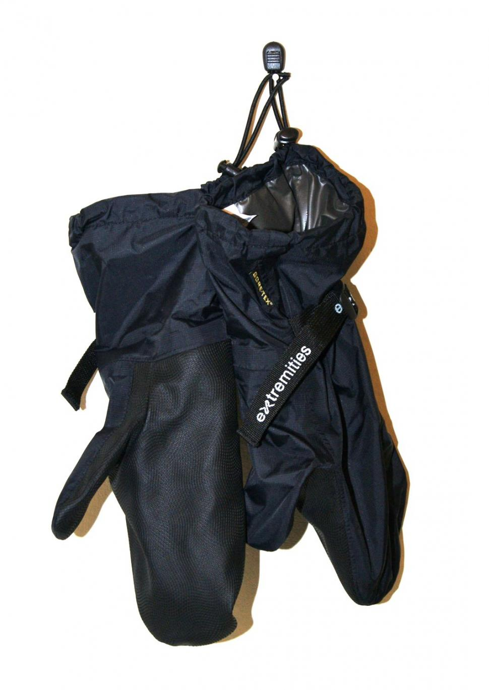 Extremities tuff bag overmitts