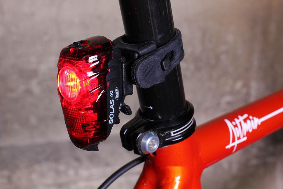 Review Niterider Solas 40 Rear Light Road Cc