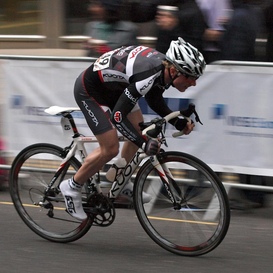 Tour Series 2010 Canary Wharf (copyright Simon MacMichael) 27
