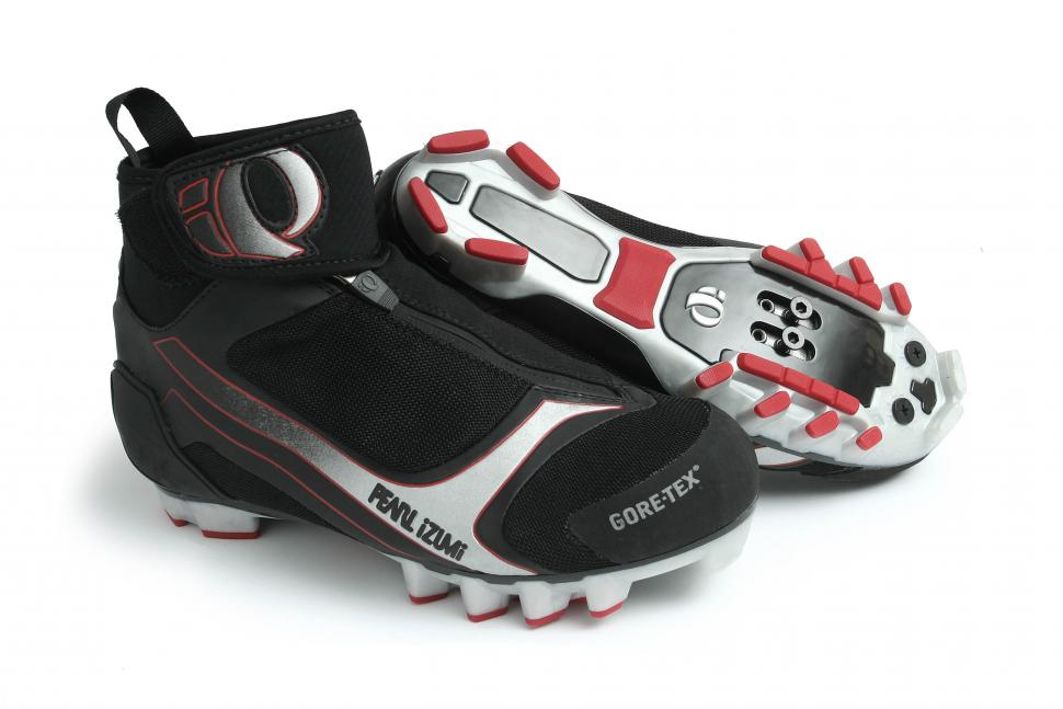 2abc6ea200270d Review Pearl Izumi Barrier Gtx Boot Road Cc. Mountain Bike Winter Boots