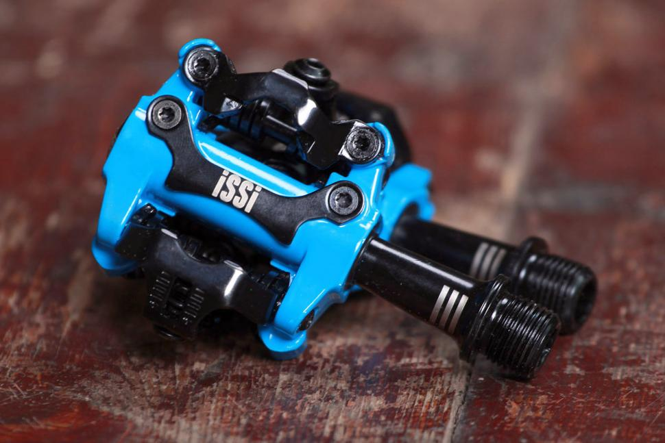 Review Issi Ii Triple Clipless Pedals Road Cc