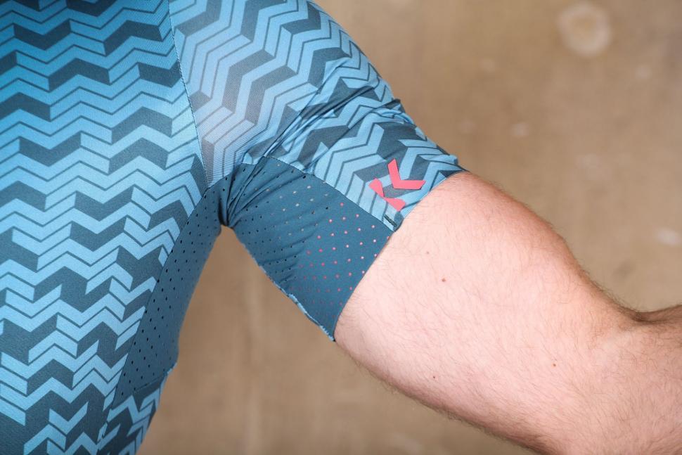 Kalf Flux Chevron Men's Short Sleeve Jersey - mesh.jpg