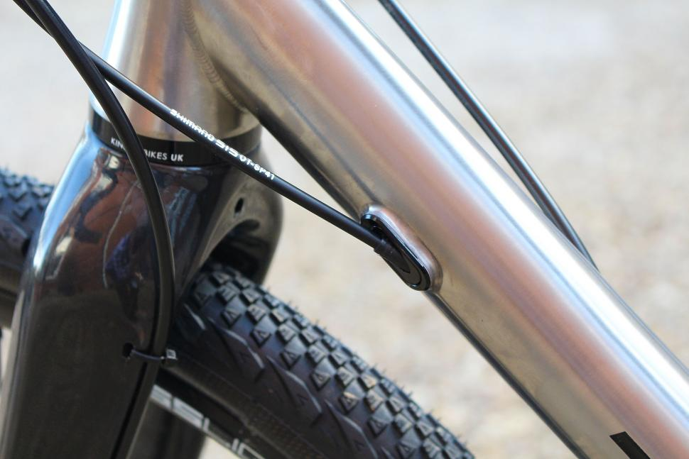 Kinesis Tripster ATR v2 - cable routing 2.jpg