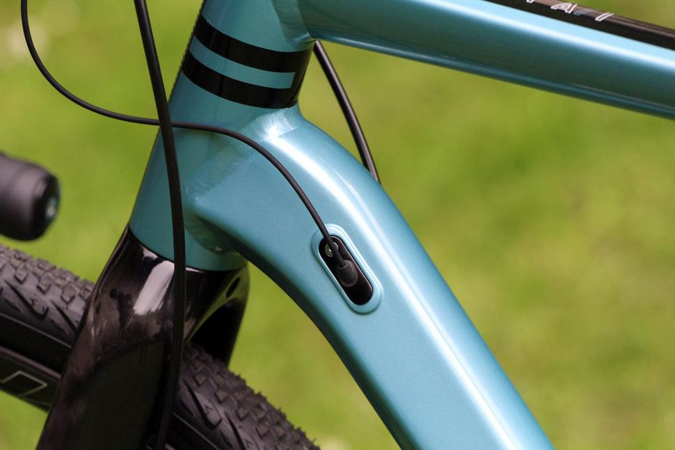 Kinesis Tripster AT - cable route.jpg