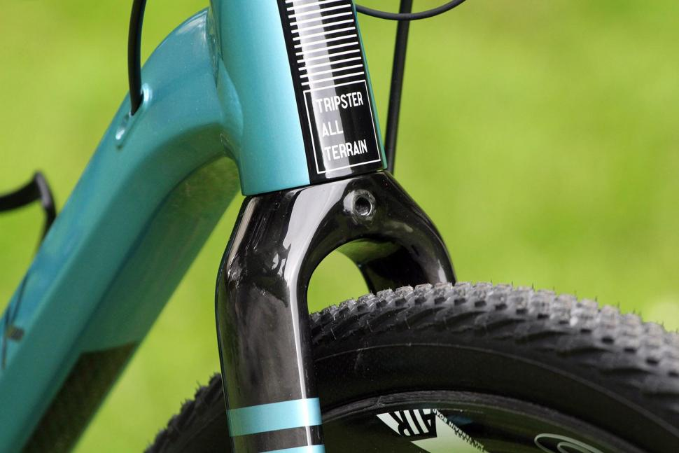 Kinesis Tripster AT - fork clearance.jpg