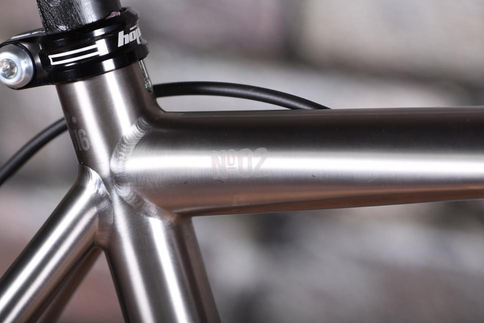 Laverack R Jack - top tube detail.jpg