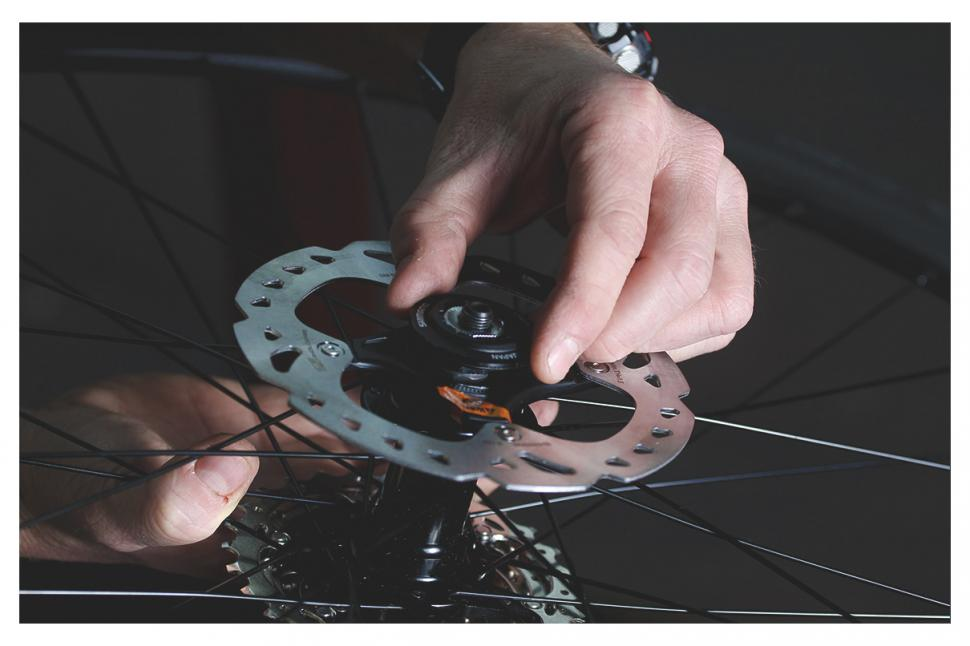 How To Fit Disc Rotors Road Cc