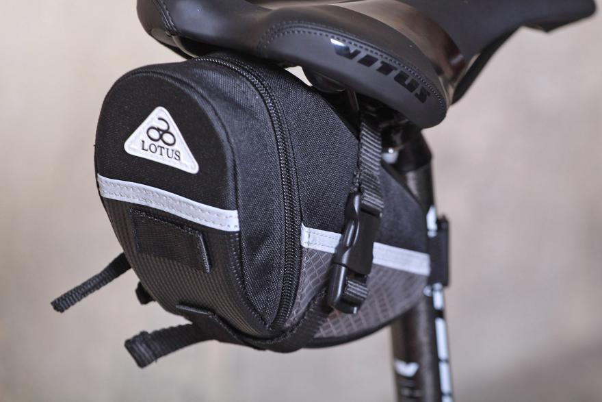 lotus-sh-6702-m-commuter-saddle-bag.jpg