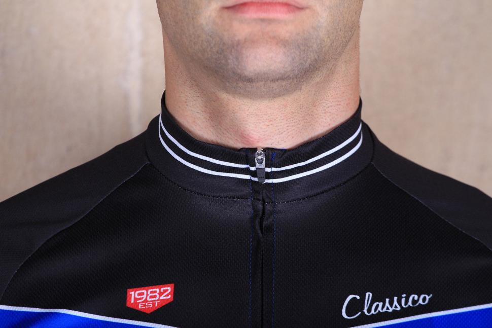 Lusso Classico Short Sleeved Jersey - collar.jpg
