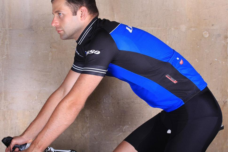 Lusso Classico Short Sleeved Jersey - riding.jpg