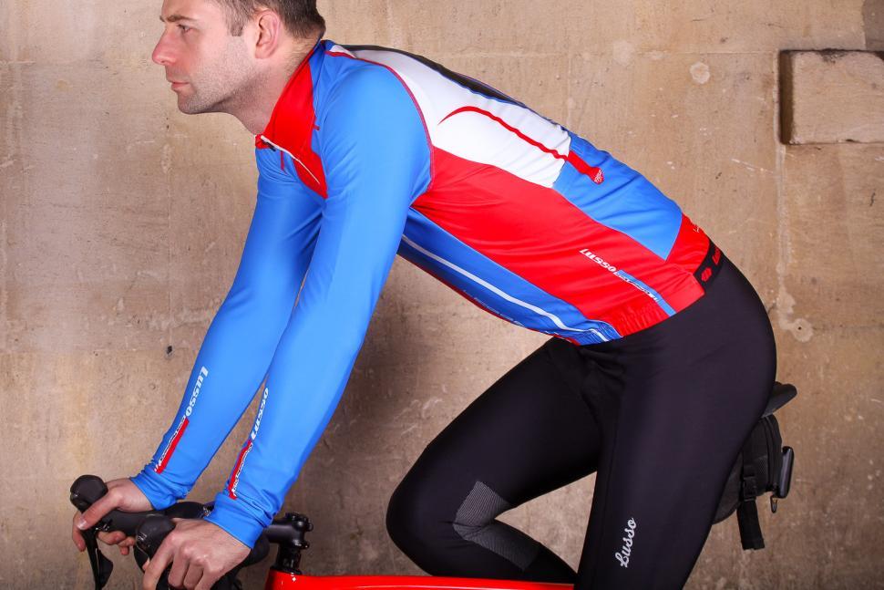 Lusso Leggero Thermal Jacket - riding.jpg
