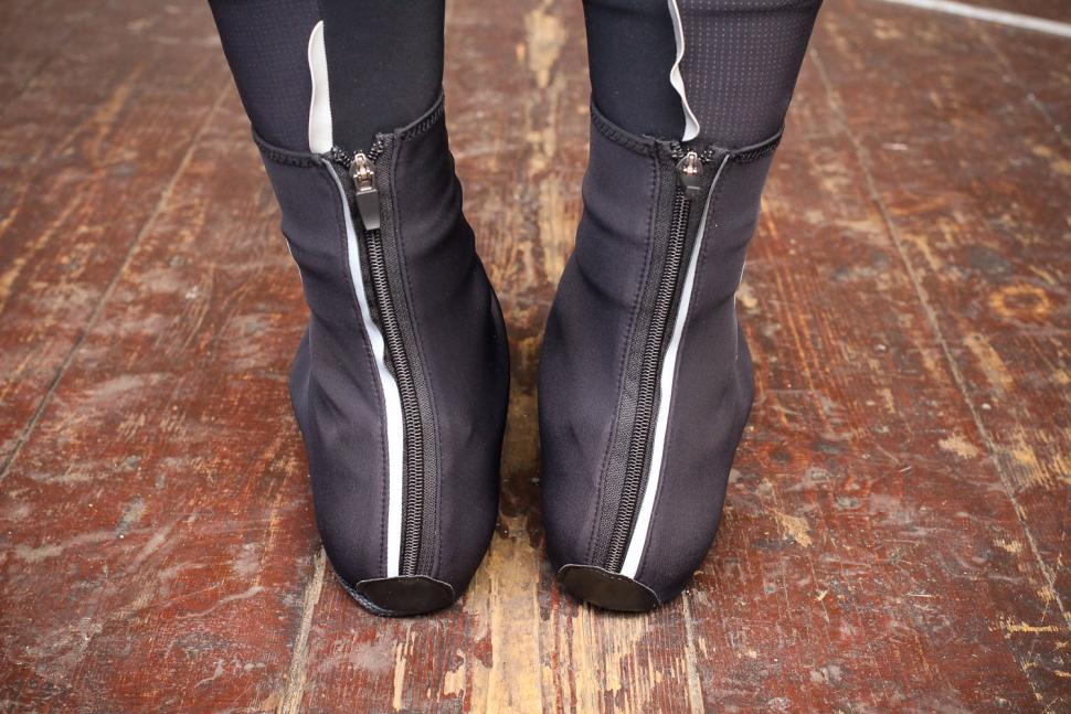 Lusso Windtex Stealth Over Boots - heels.jpg