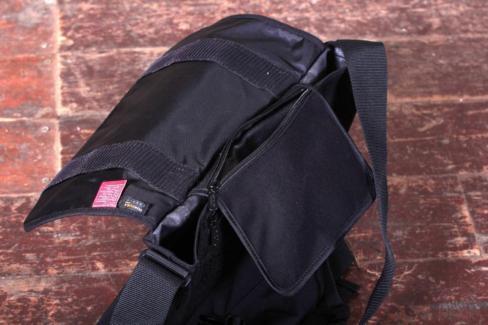 Manhattan Portage NY Messenger Bag (Medium)- inside pocket.jpg