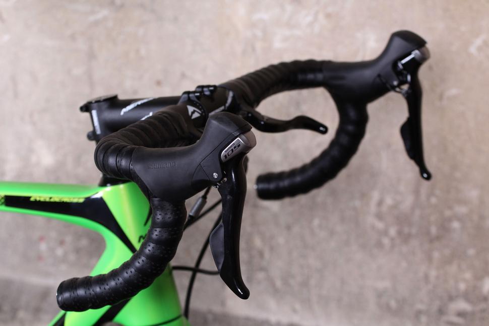 Merida Cyclocross 5000 - bars.jpg