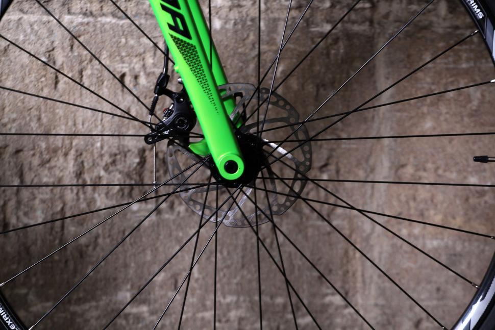 Merida Cyclocross 5000 - thru axle.jpg